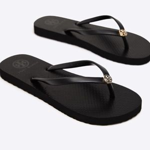 Tory Burch Black thin strap flip flop